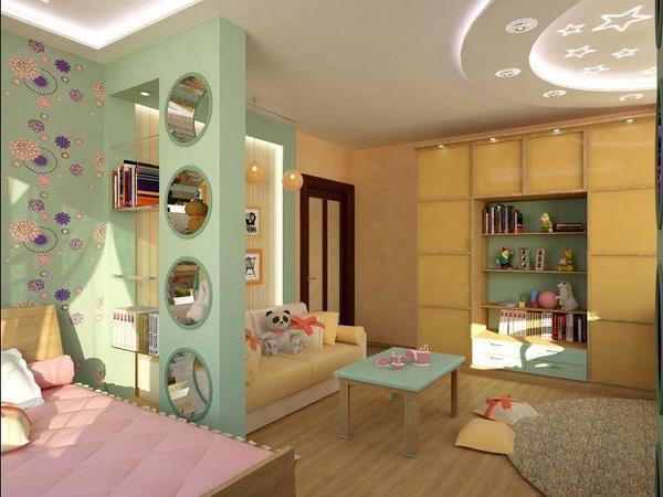 В детской спальне обязательно должна быть отдельная зона, где будут лежать личные вещи и предметы ребенка