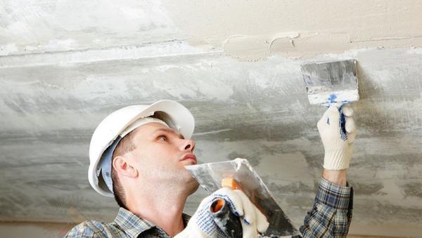 Перепады уровня поверхности при оштукатуривании не должны превышать 5 см. В ином случае требуется выбрать другой тип облицовки
