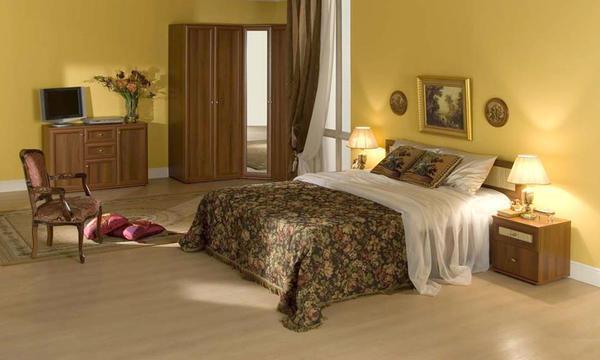 В спальне будет уместно смотреться шкаф в сдержанном дизайне
