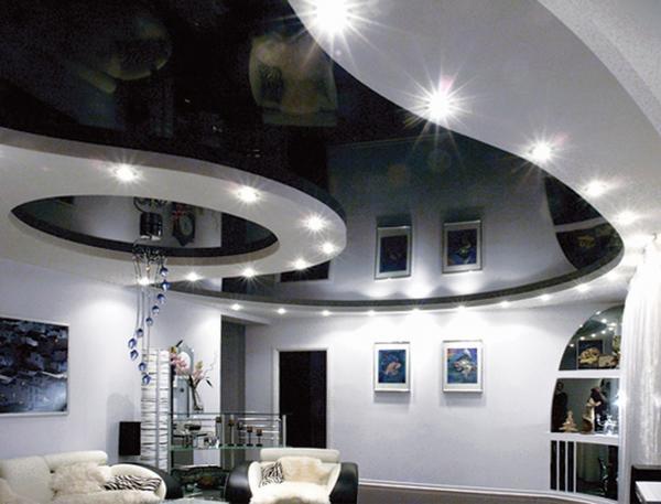 Перед тем как делать натяжной потолок без нагрева в квартире, следует ознакомиться с технологией его установки