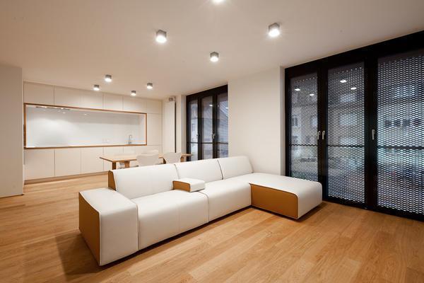 Перед тем как повесить накладной светильник на потолок, выбирете подходящий блок питания