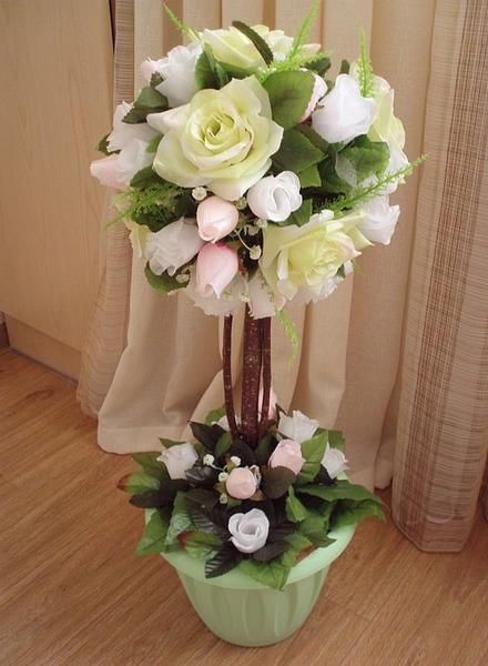 Топиарий из цветов украсит собой любой интерьер помещения
