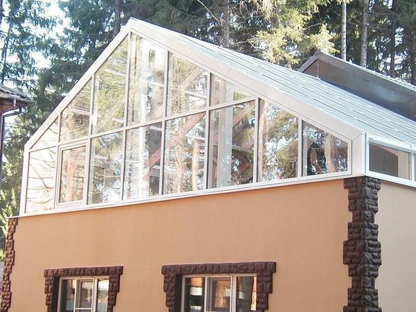 Теплица на крыше частного дома -