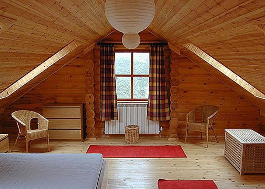 Выбор вариантов отделки потолков в частном доме богаче, чем в квартире