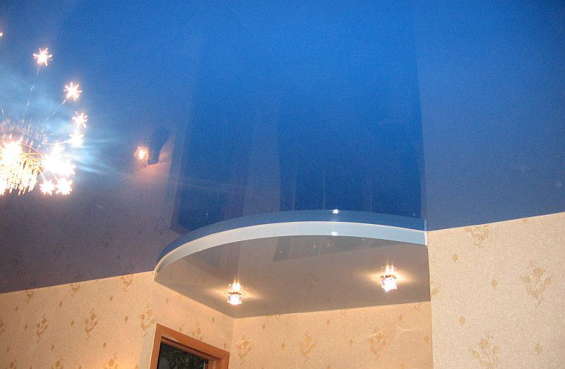Подвесные конструкции – отличное интерьерное решение, предназначенное для отделки потолочного пространства жилого помещения