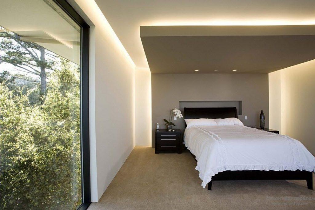 Обустройство парящего потолка позволит скрыть дефекты основания и придать помещению необычный вид