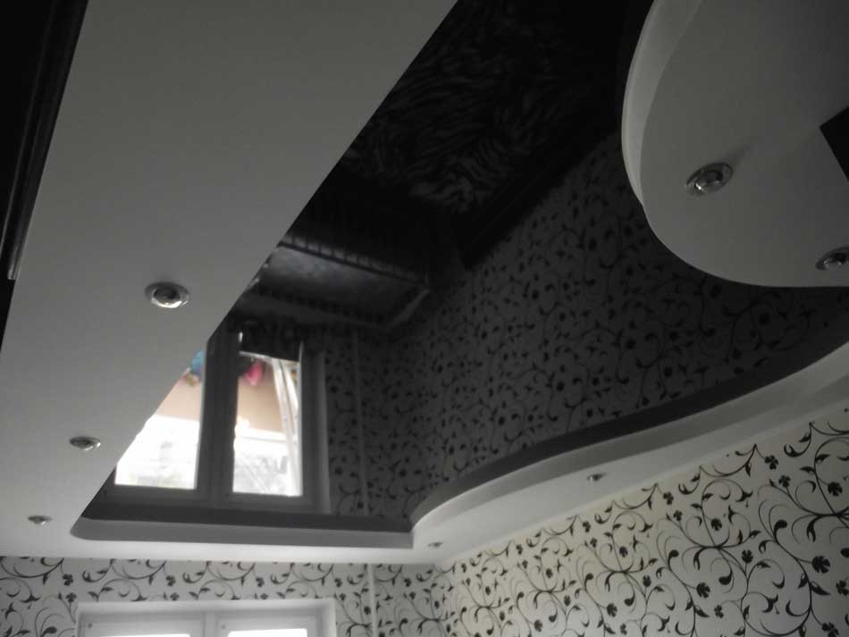 Черный потолок - эффектное и стильное решение дизайна современного интерьера