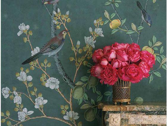 Обои с птицами создадут в комнате атмосферу праздника и хорошего настроения
