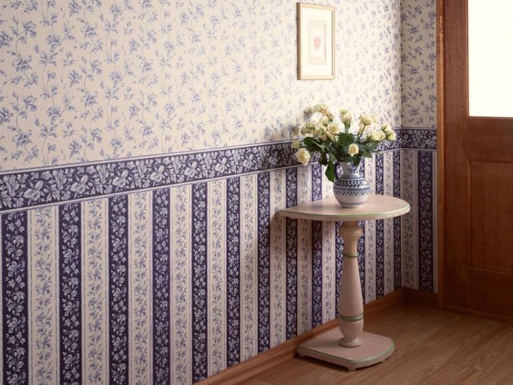 Сочетание обоев с разным рисунком позволит оригинально оформить  стену или ее часть, сделать помещение интересным и оригинальным