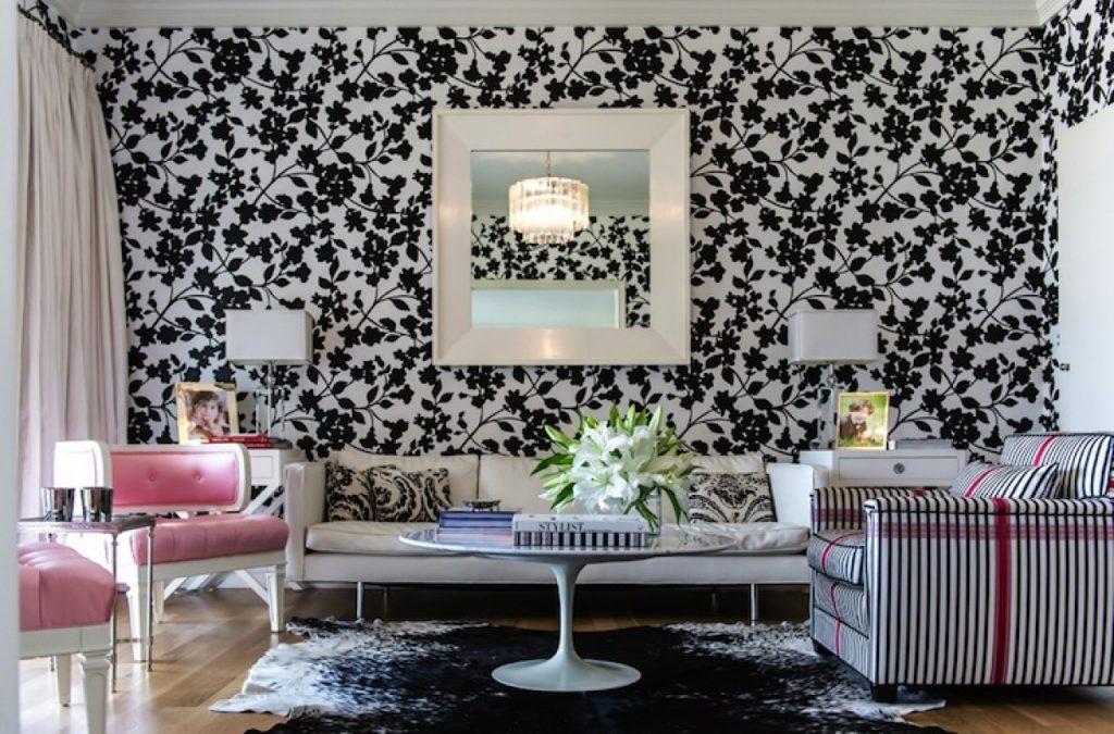 Отделка стен черным цветом привнесет в обстановку помещения особый колорит и изысканный шарм