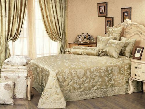 Правильно подобранные портьеры в спальню помогут сделать ее дизайн необыкновенным и стильным