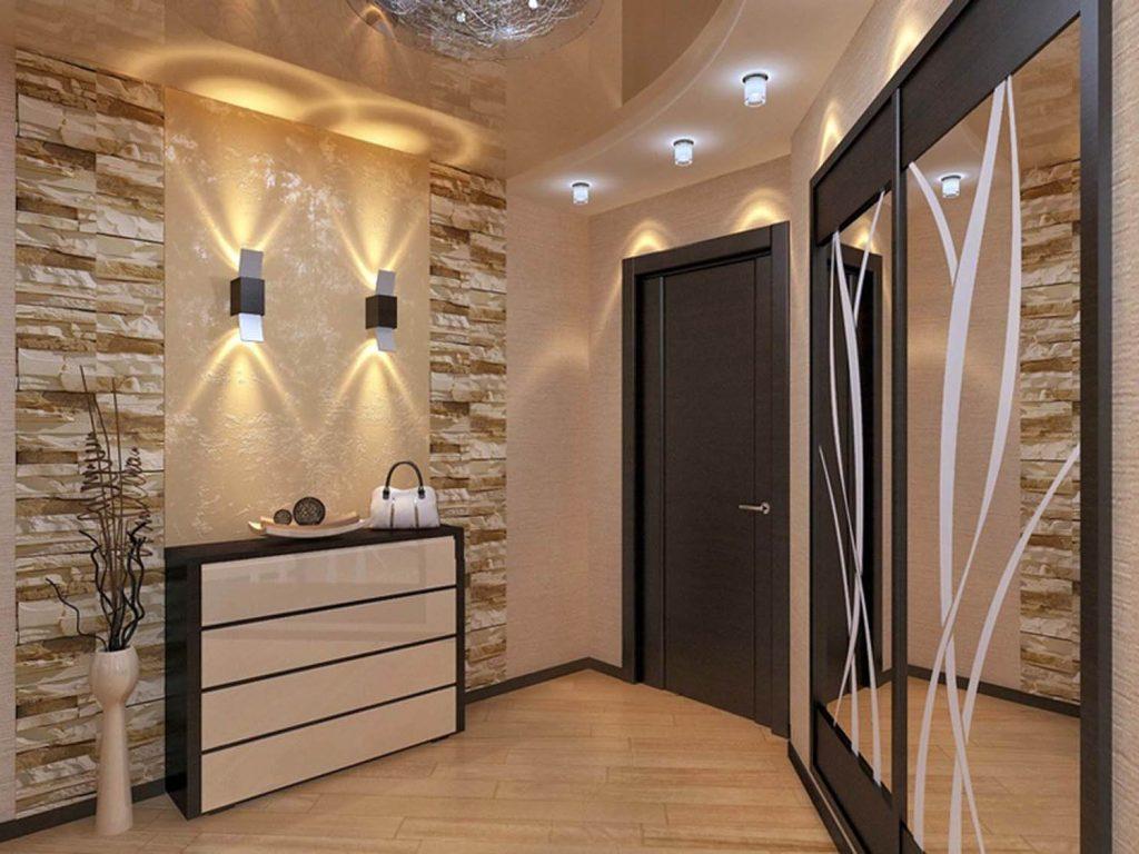 Натяжные потолки помогут придать эксклюзивности и оригинальности даже такой маленькой комнате, как коридор