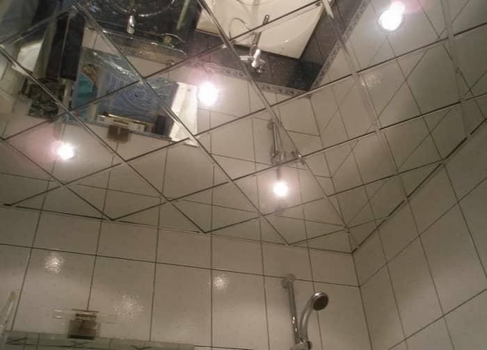 Зеркальные потолки — современный и превосходный материал для создания уникального дизайна в ванной
