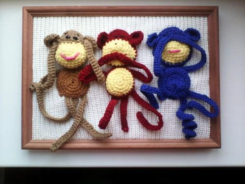 Панно с забавными обезьянами отлично дополнит интерьер любой комнаты, будь то детская или гостиная