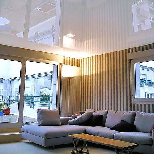 Натяжные ПВХ потолки уже несколько десятков лет успешно используются для оформления помещений
