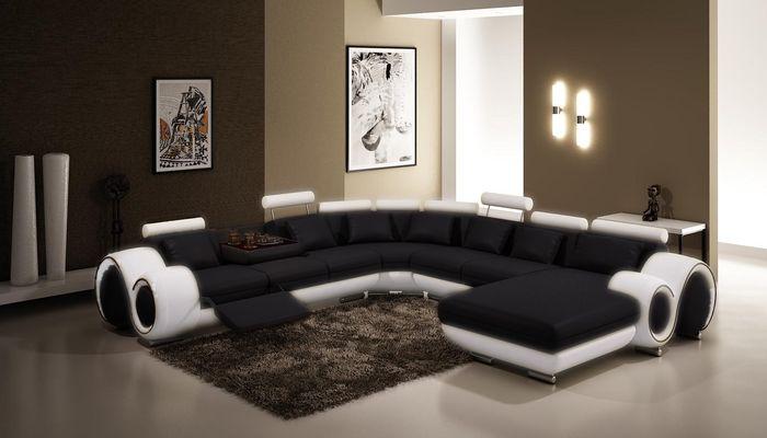 Правильно подобранная мягкая мебель для гостиной сохранит легкость атмосферы и не нагрузит интерьер комнаты