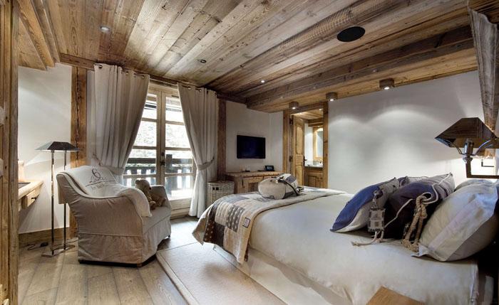 Согласно модным тенденциям, ламинат может успешно применяться как в качестве напольного покрытия, так и в виде отделочного материала для стен и потолков