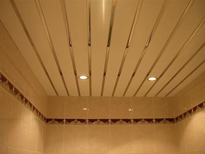Реечный потолок — недорогое и практичное решение для любого помещения
