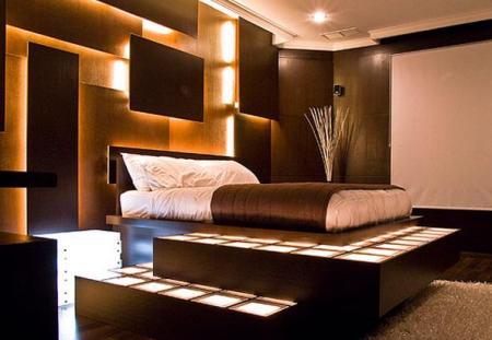 Спальня - это место для отдыха, поэтому в ней должно быть всегда светло и уютно