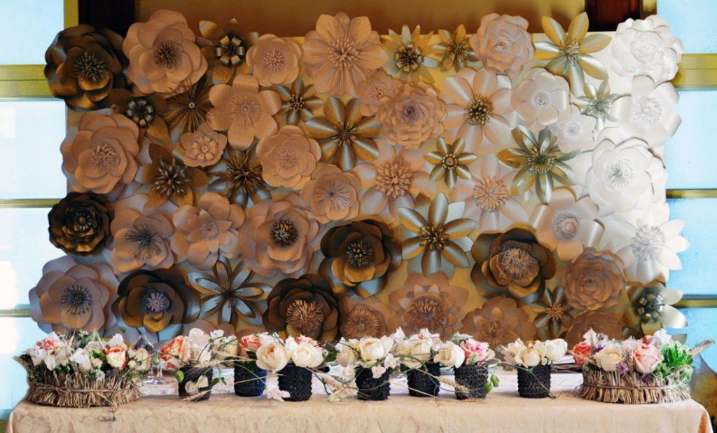 Бумажными цветами можно украшать абсолютно любые помещения и воплощать любую фантазию