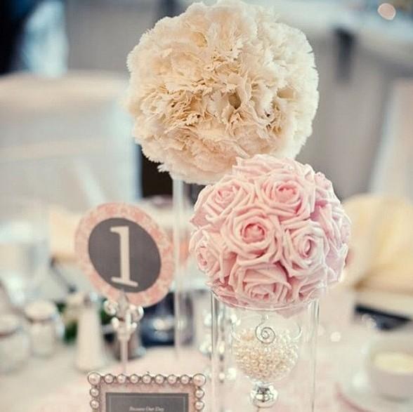 Самодельный свадебный топираий - это отличный подарок, который обязательно понравится новобрачным