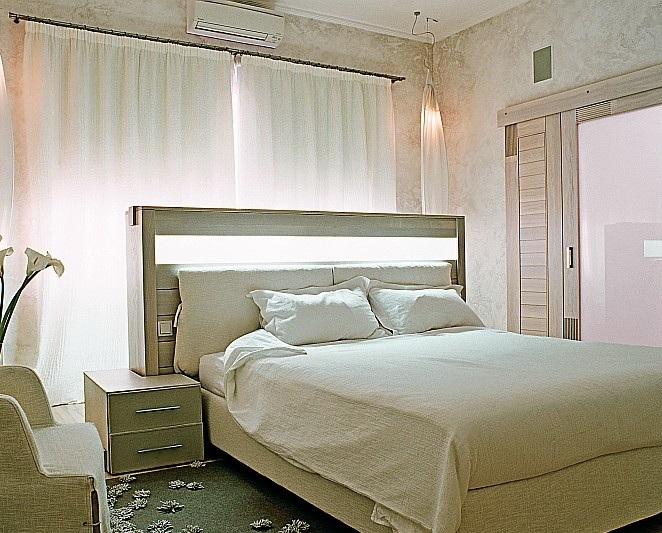 Спальню следует оформлять так, чтобы она была гармоничной и комфортной