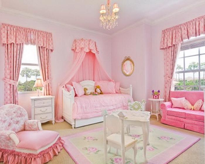 Обустраивая комнату для девочки, необходимо учитывать интересы и предпочтения ребенка