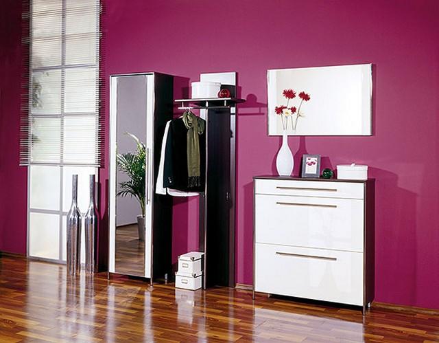 Оригинально оформленная прихожая, вне всяких сомнений, будет доставлять эстетическое удовольствие гостям и владельцам квартиры