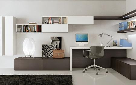 Для рабочего места в гостиной необходимо сделать отдельное освещение, например, поставить настольную лампу