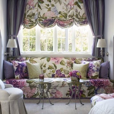 Для стиля модерн характерно наличие цветочных мотивов