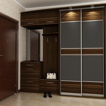 Шкаф-купе является одним из предметов мебели, который должен присутствовать в любой прихожей