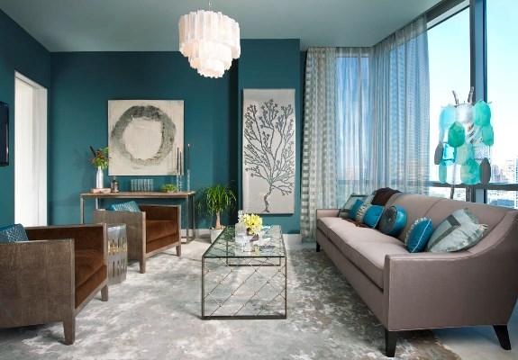Бирюзовое оформление интерьера сделает гостиную более оригинальной и стильной