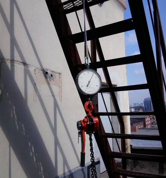 Определить качество и другие характеристики пожарной лестницы можно при помощи специальных испытаний