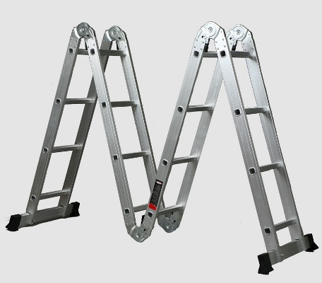 Практичная лестница-трансформер поможет быстро и легко справиться с ремонтными работами