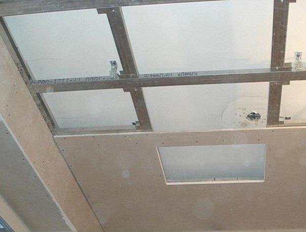 Крепление гипсокартонных листов к потолку не представляет особых сложностей