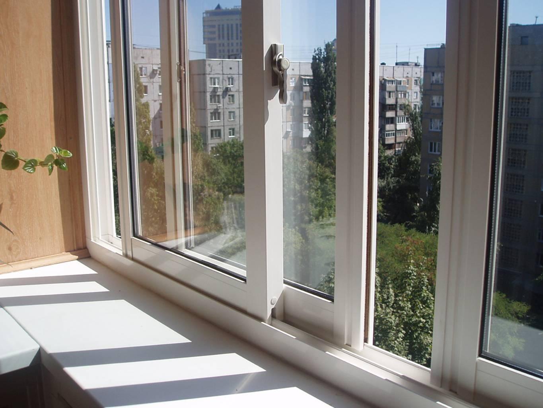 Раздвижные окна на балкон нужны, чтобы эффективно использовать пространство