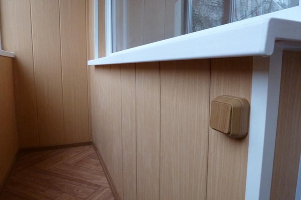 Отделка балкона пвх панелями видео остекление балкона раздвижными окнами цена
