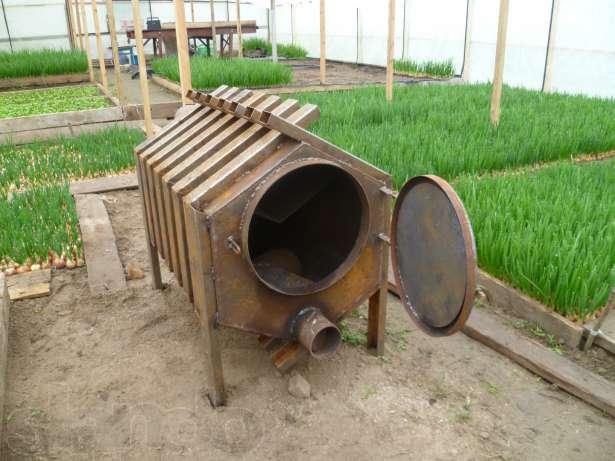 Системы отопления теплиц с дровяными котлами сегодня являются самыми доступными
