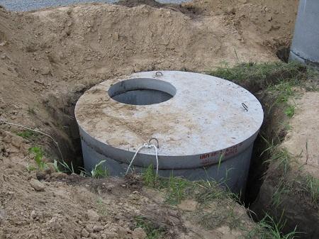 Для сооружения выгребной ямы не потребуется больших финансовых затрат