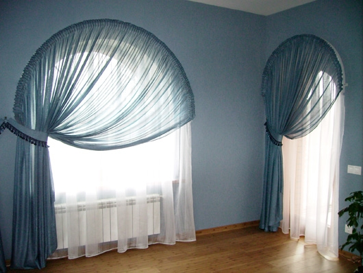Арочные окна создают роскошный стиль в любом помещении