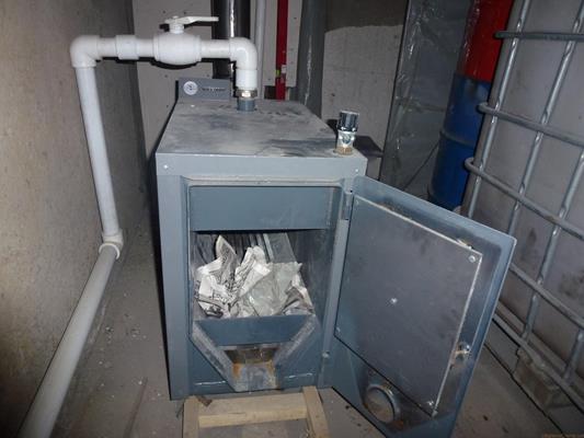 Существует несколько способов отопления гаража, которые выбирают на свое усмотрение