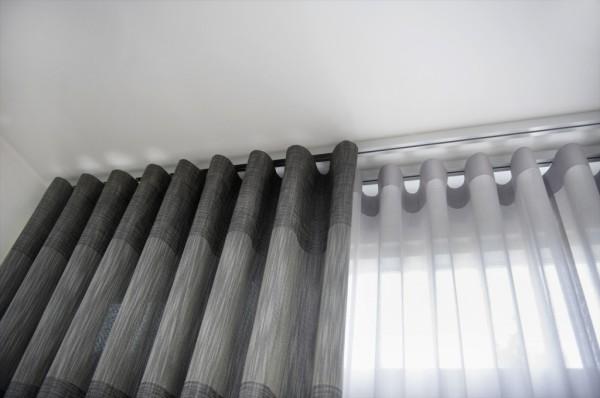 Ознакомиться с различными видами гардин для штор можно в интернете или в магазинах текстиля