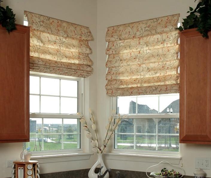 Римские шторы – прекрасный способ декорирования окон