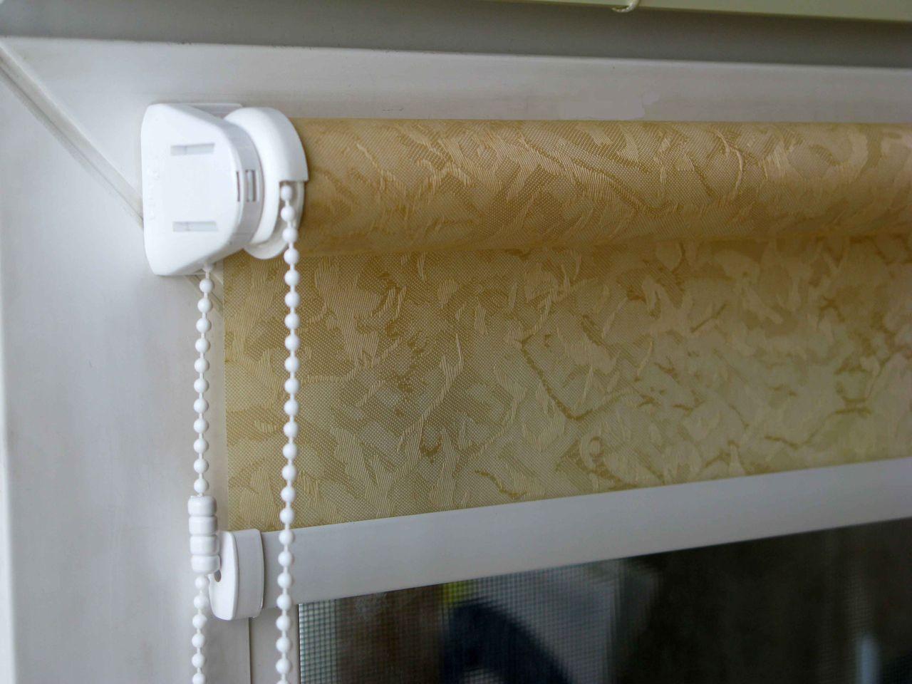 Ролл-шторы очень удобны в использовании