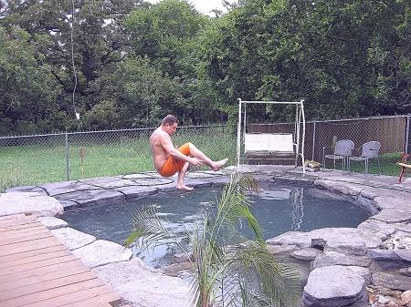 Перед тем как приступить к изготовлению бассейна своими руками, стоит тщательно изучить теоретическую часть процесса