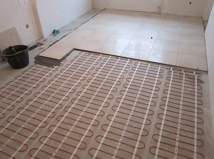 Электрический теплый пол обладает длительным сроком службы и хорошим функционалом