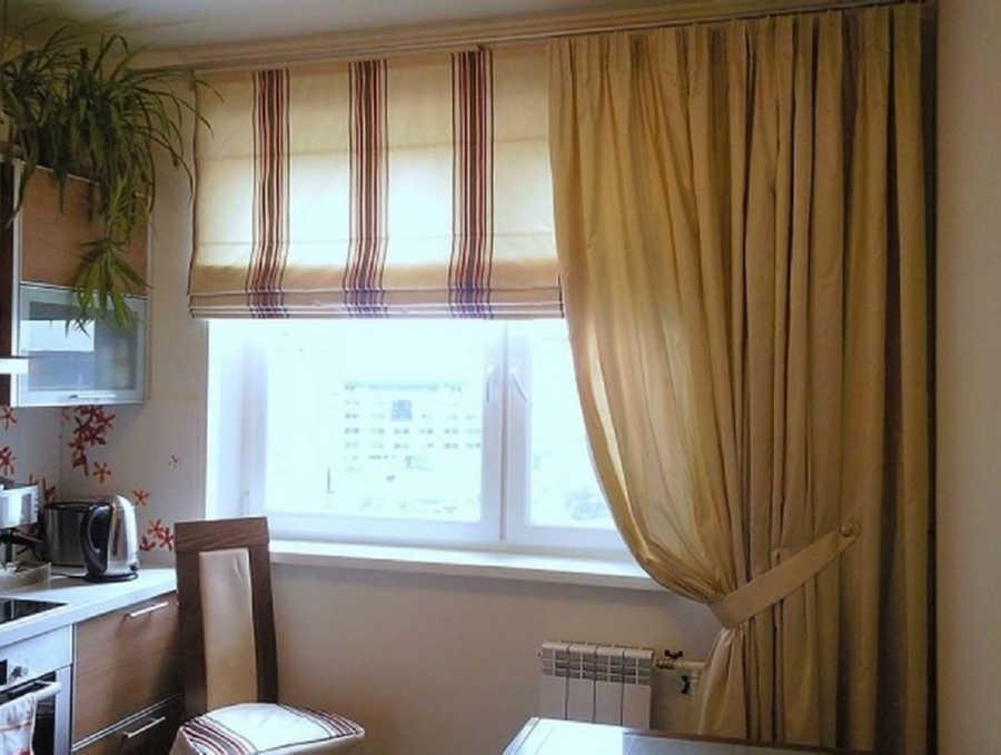 Шторы для окна кухни необходимо подбирать очень тщательно
