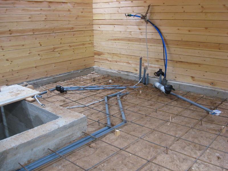 Бесперебойную работу системы канализации в бане обеспечит правильно спланированная схема оборудования
