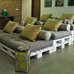 Многоуровневый диван из поддонов