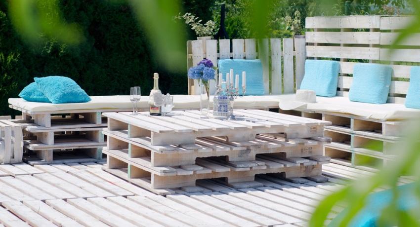 мебель на террасе из паллет